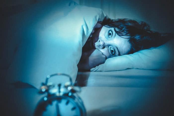 Žena, která v noci nemůže usnout